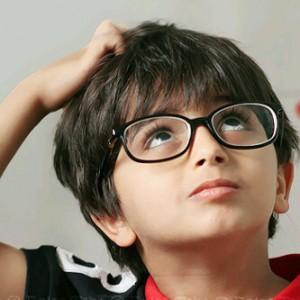 نشجع أطفالنا إرتداء النظارة الطبية